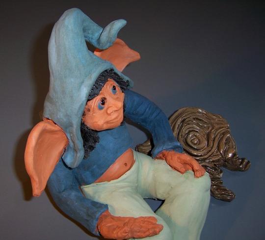 Duende azul con engobes