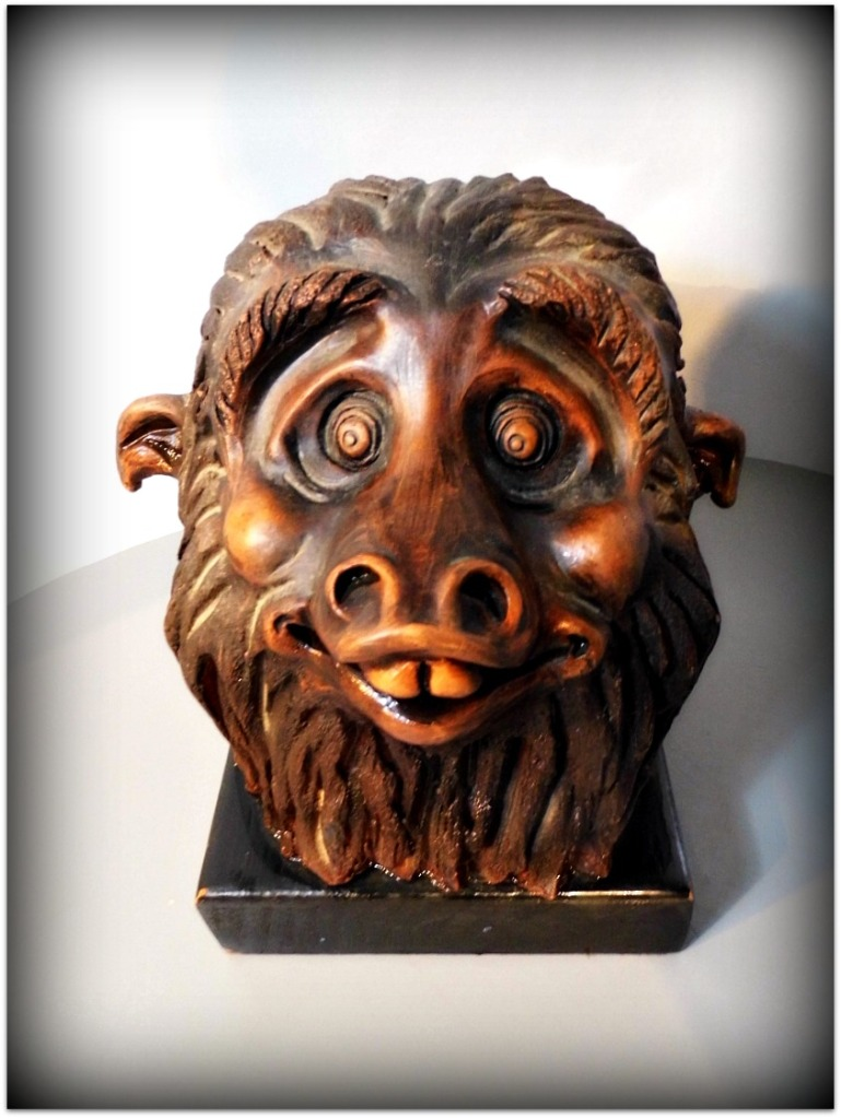 Chimpancé de cerámica