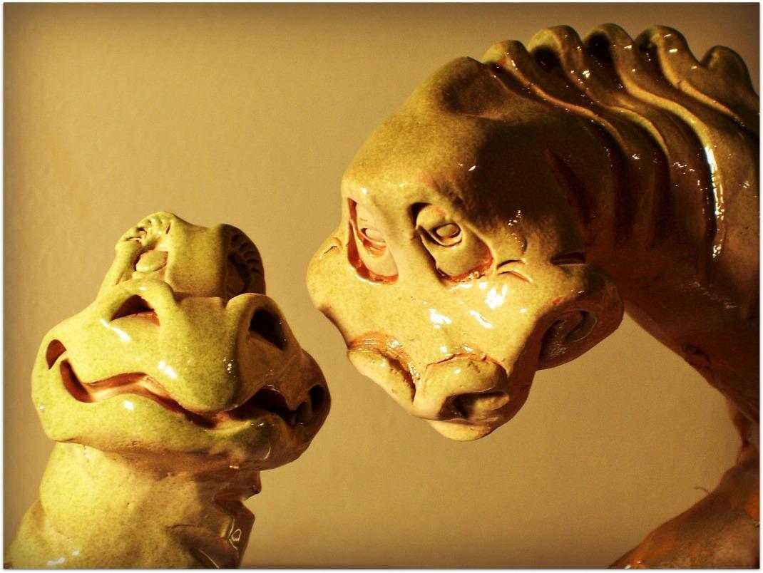 Dinosaurios de cerámica