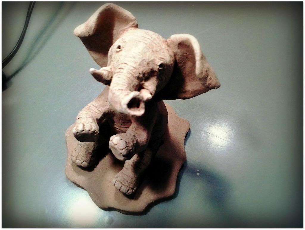 Elefante de cerámica