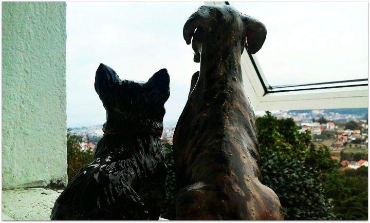 Perros de cerámica
