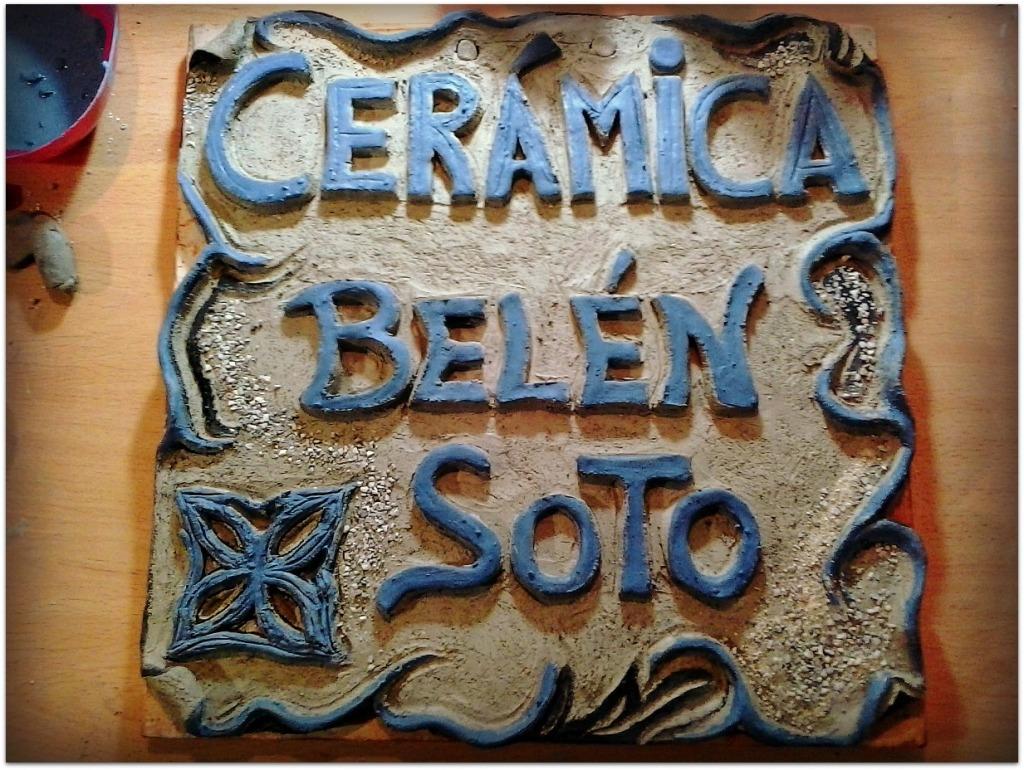 Rótulo exterior de cerámica